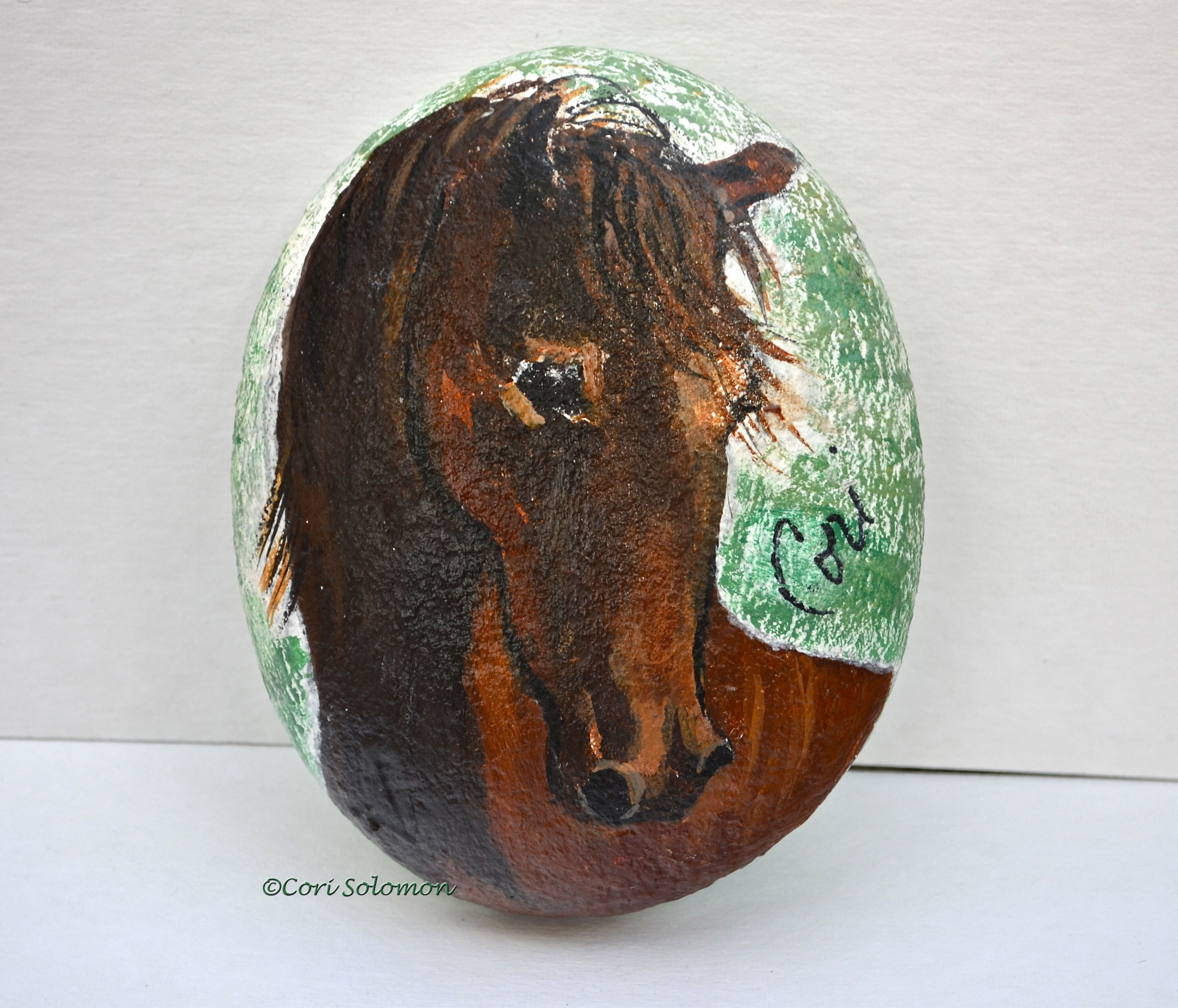 Horse Art on a Rock: Lovely Bay